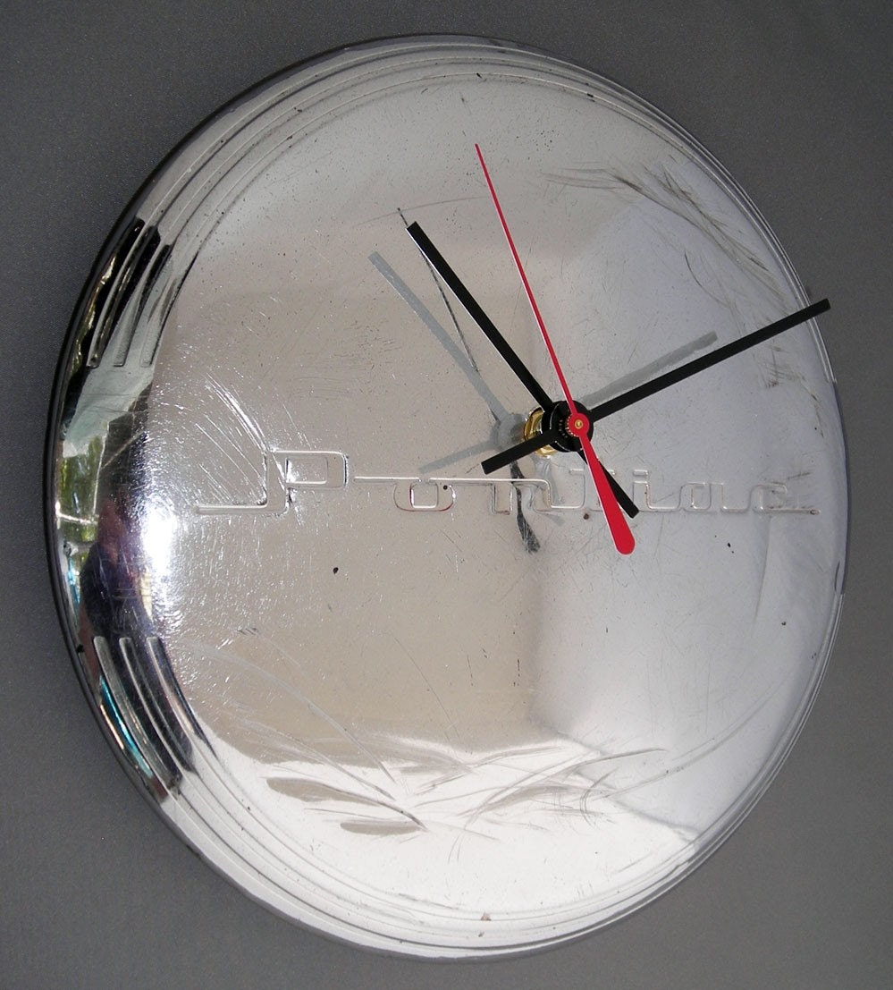 GM - Classic Car Clock