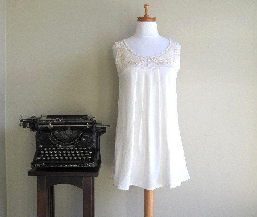 Springtime indiscretions - vintage collar, pleats, tunic shirt, small