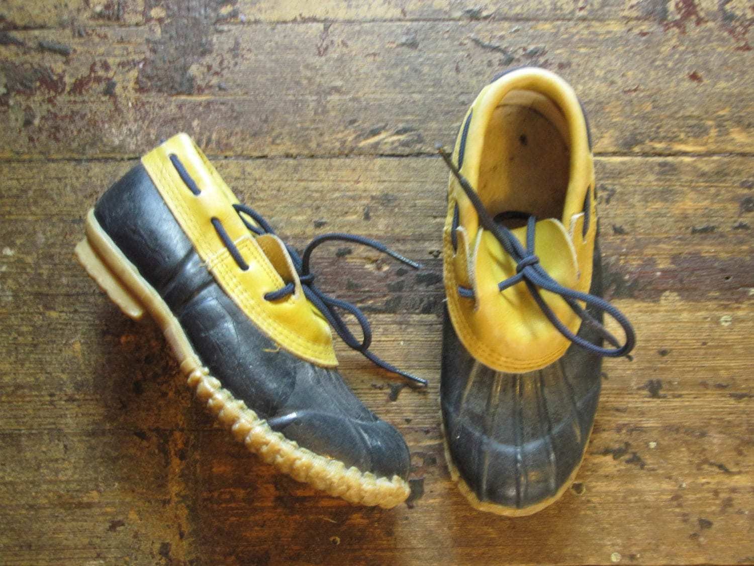 Vintage Duck Shoes, blue and yellow, 1980s duck shoes rain shoes navy and yellow - MardyStark