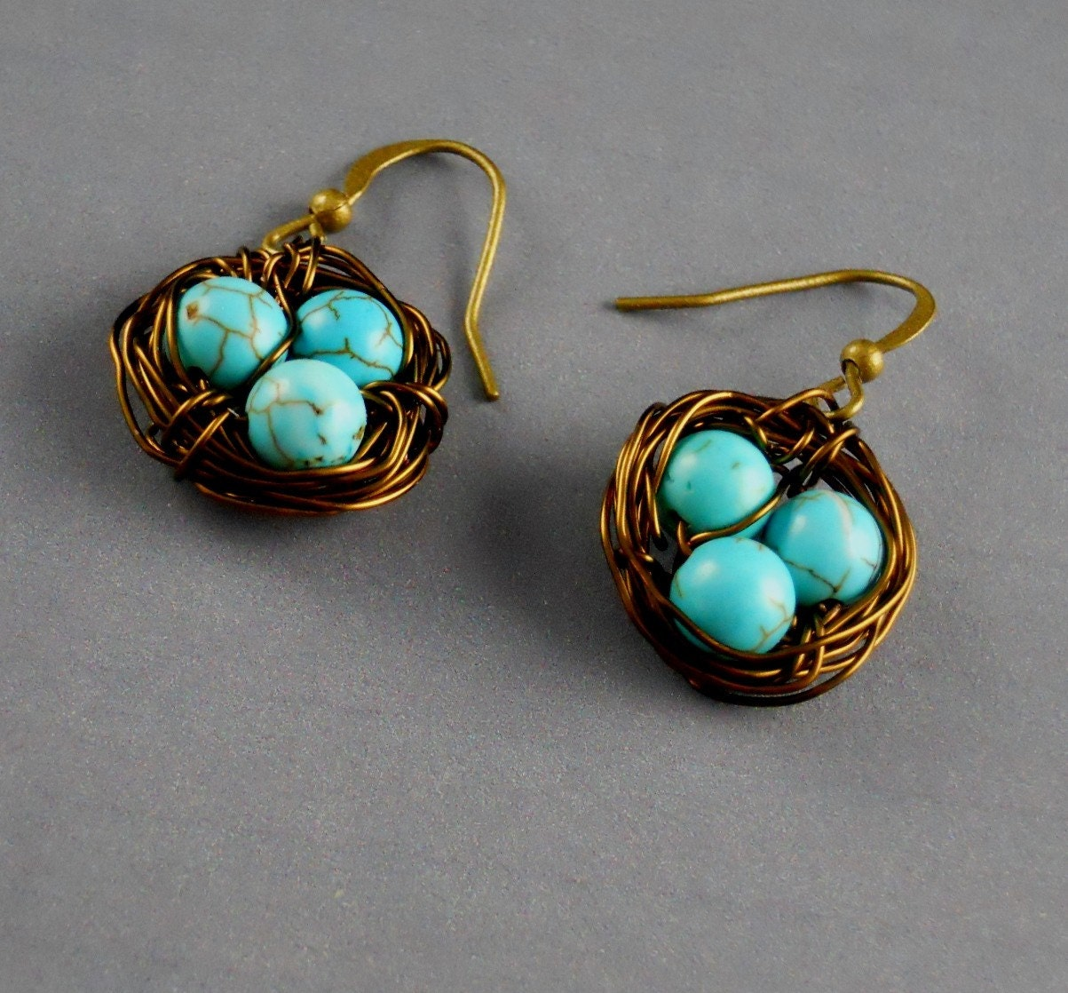 Free  Shipping Robin Egg Nest Blue Aqua Earrings