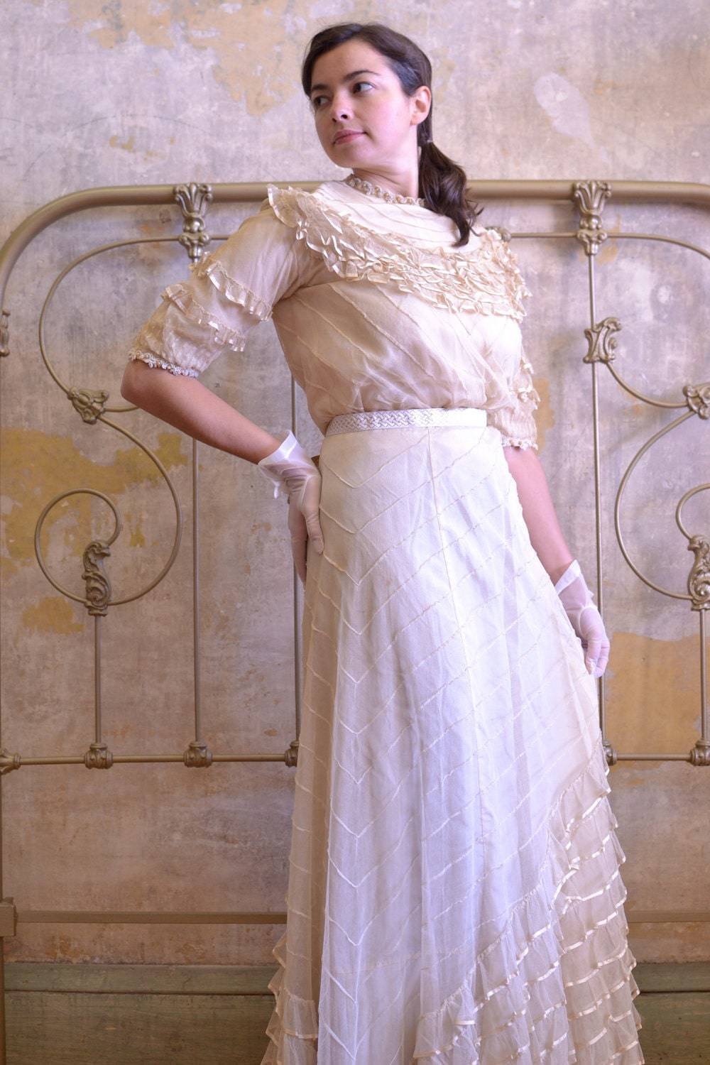 1900s 1910s Edwardian Ruffled Bridal Skirt and Blouse with Pintuck & Beading Detail Sz Small // Medium