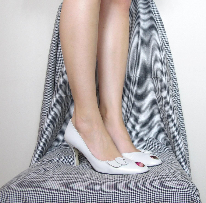 Vintage Wedding Heels Cream Bridal Shoes Low Heel By Honeymoonmuse