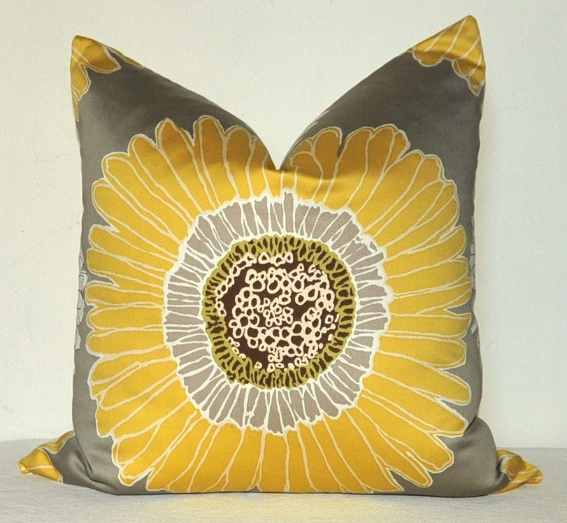 Decorative Pillow Cover Floral Print 22x22 inch by kyoozi