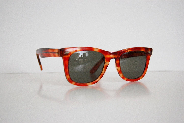 Vintage 1970s Tortoise-shell WAYFARER Sunglasses
