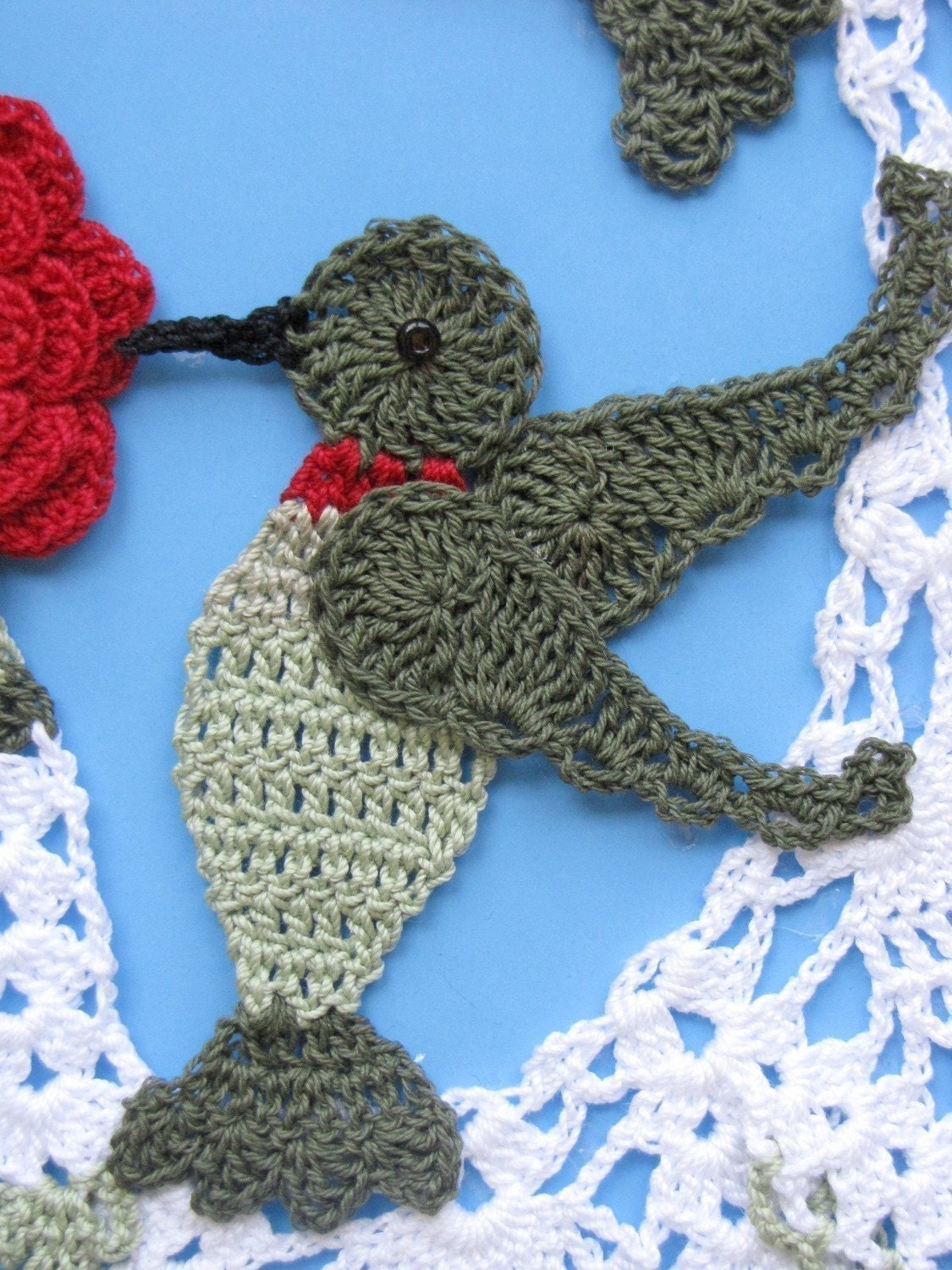 Hummingbirds and Roses Pineapple Doily PDF Pattern