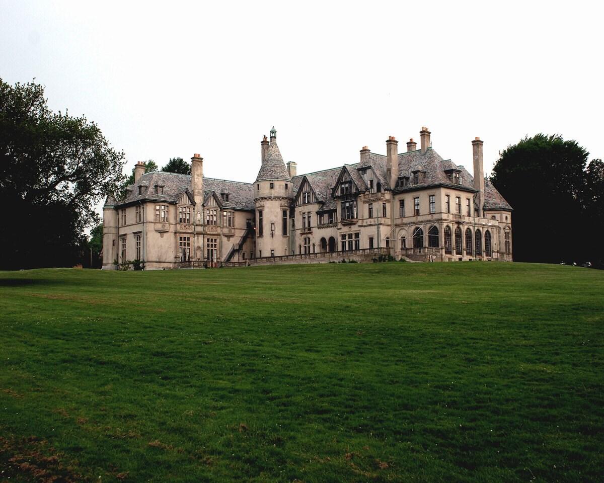 Dark Shadows Collinwood Carey Mansion Newport Rhode Island Color ...