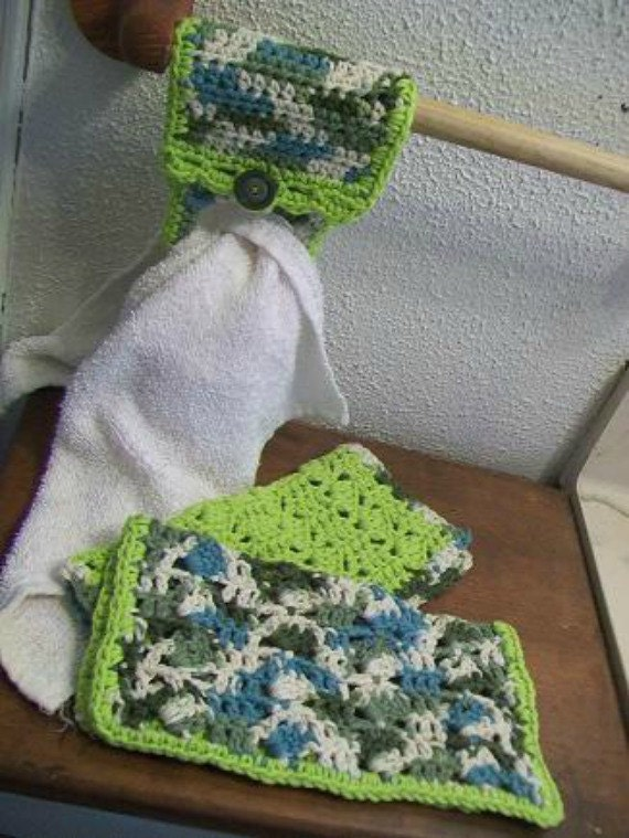 Crocheted Cotton Dish Cloths with Towel Tug-It --Green Apple