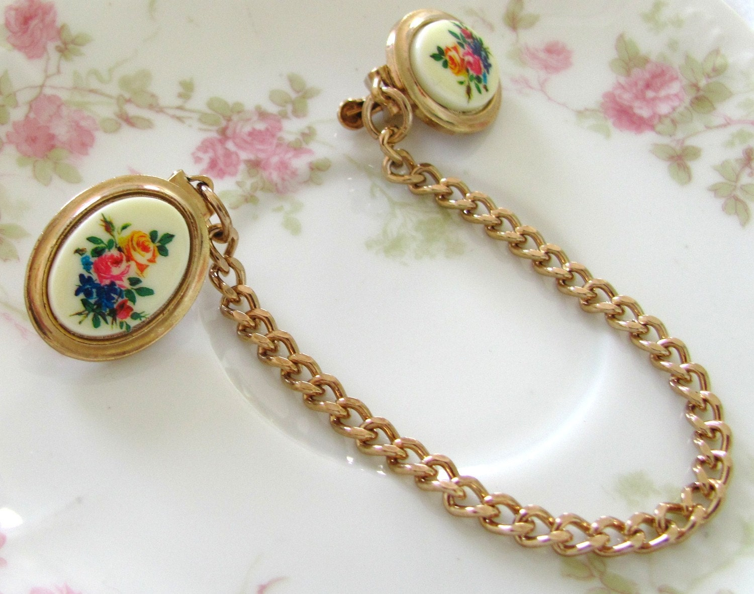 Vintage Rose and Gold Sweater Guard Clip