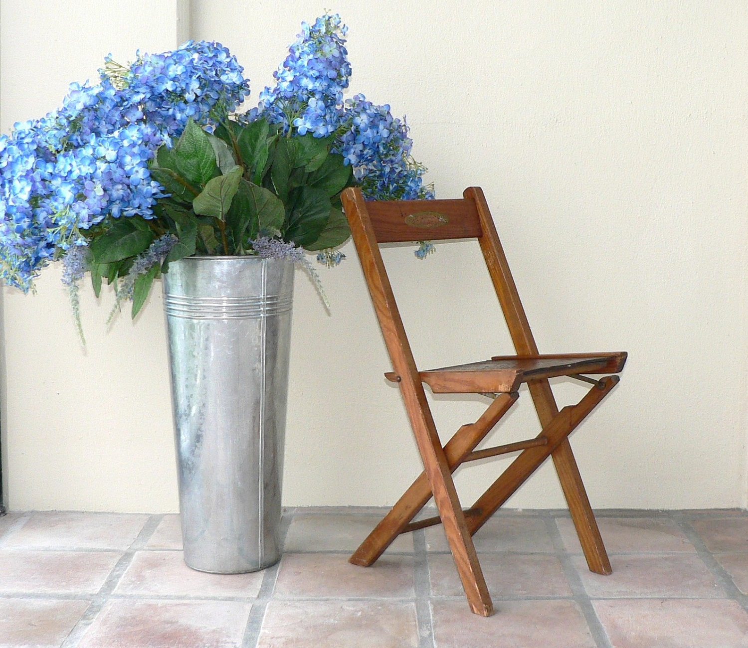 Mid Century Wood Folding Chair with Star Seat - auntemilie