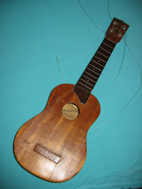 Vintage kamaka ukulele gold label needs repair tiki bar decor