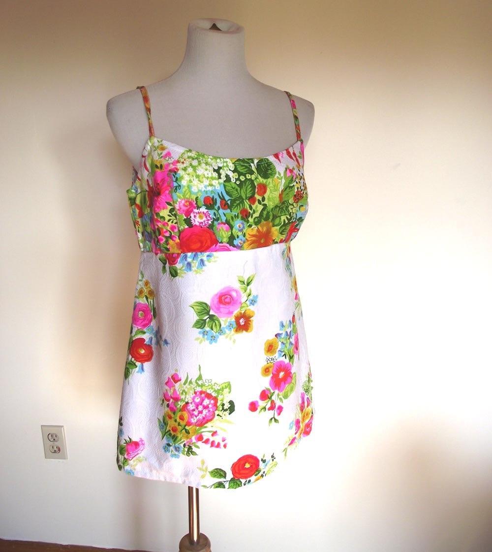 Summer Blouse Cover Up Vintage 70s Brilliant Color Floral Top. Sz S to Sz M