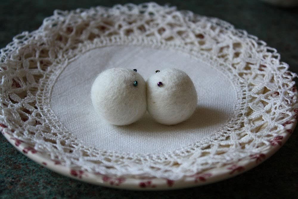 Kiss, felted magnets