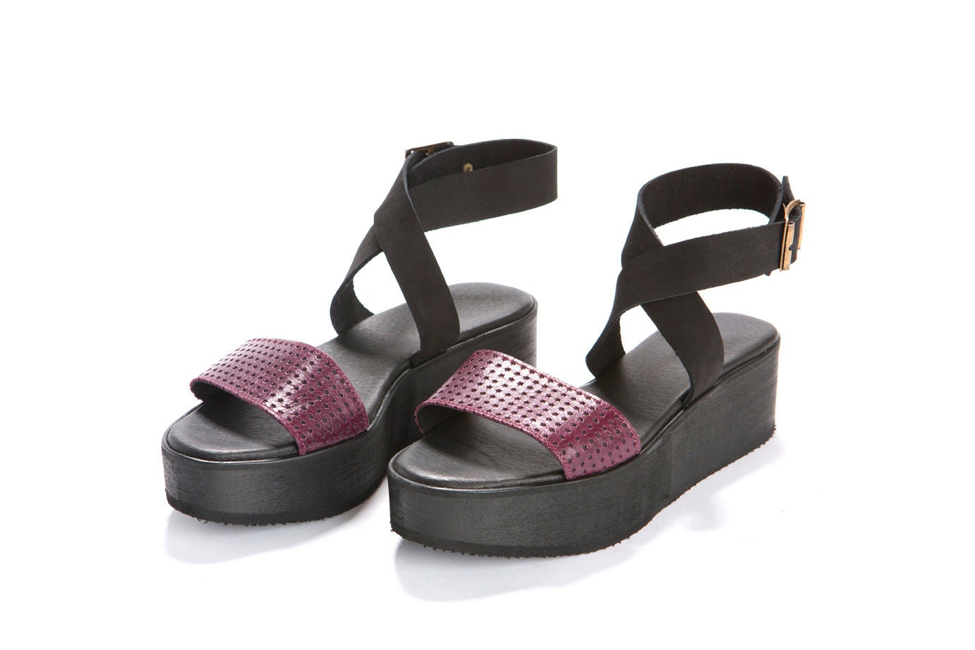 Summer shoes.Purple and black shoes. Platform sandal, leather straps, with a buckle closing around the ankle. - ImeldaShoes