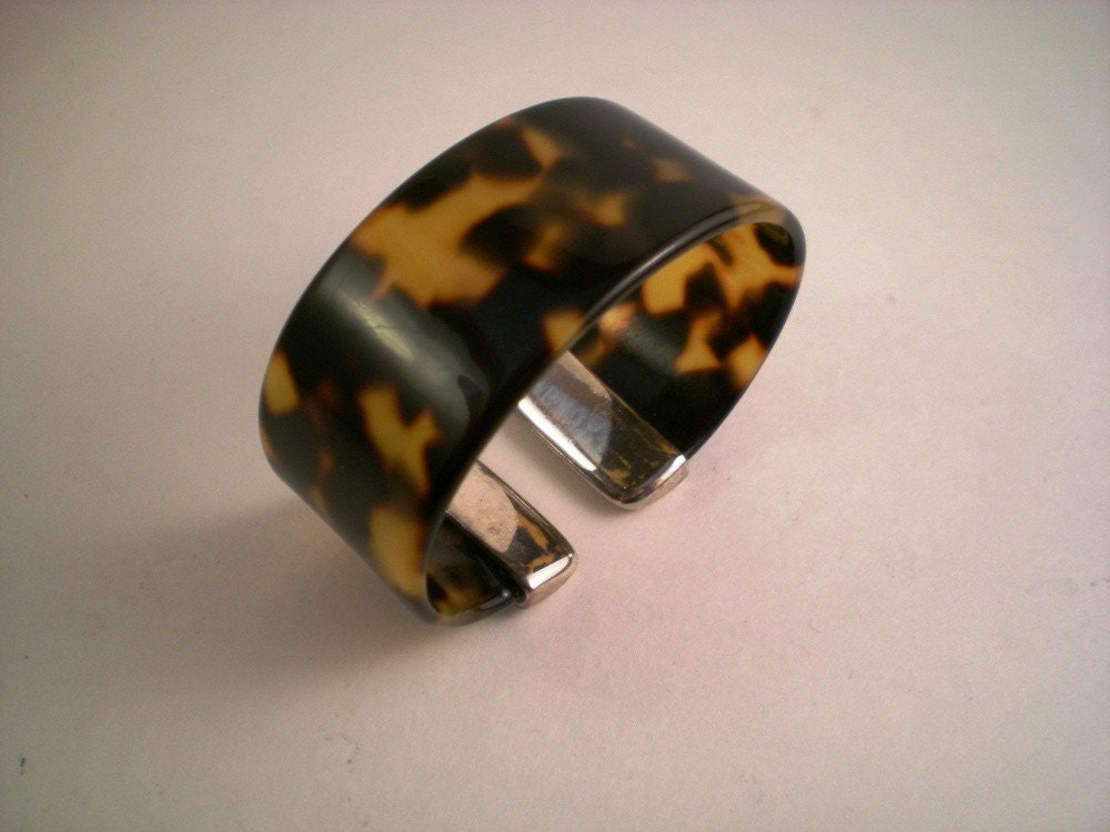 Haunting-- Fabulous Vintage Tortoiseshell and Silver Cuff Bracelet