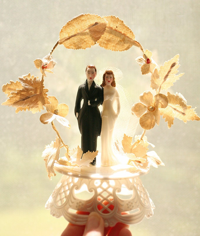 Adored Vintage 10 Vintage Inspired Wedding Cakes: Vintage 1950s Wedding Topper Wedding Cake By Letslovevintage