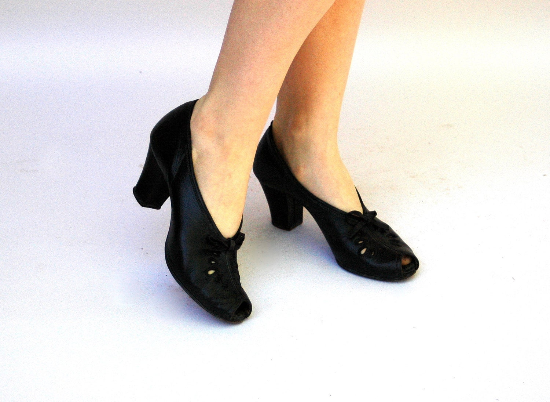 vintage 1930s shoes peek a boo black by wildhoneypievintage