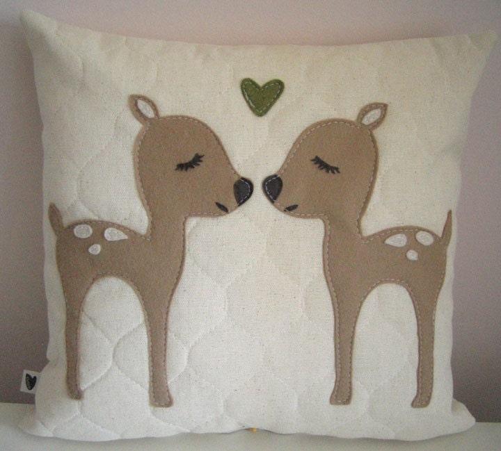 Fa La La Twin Deers with Heart Felt Wool Applique Natural Cotton Linen Decorative Pillows