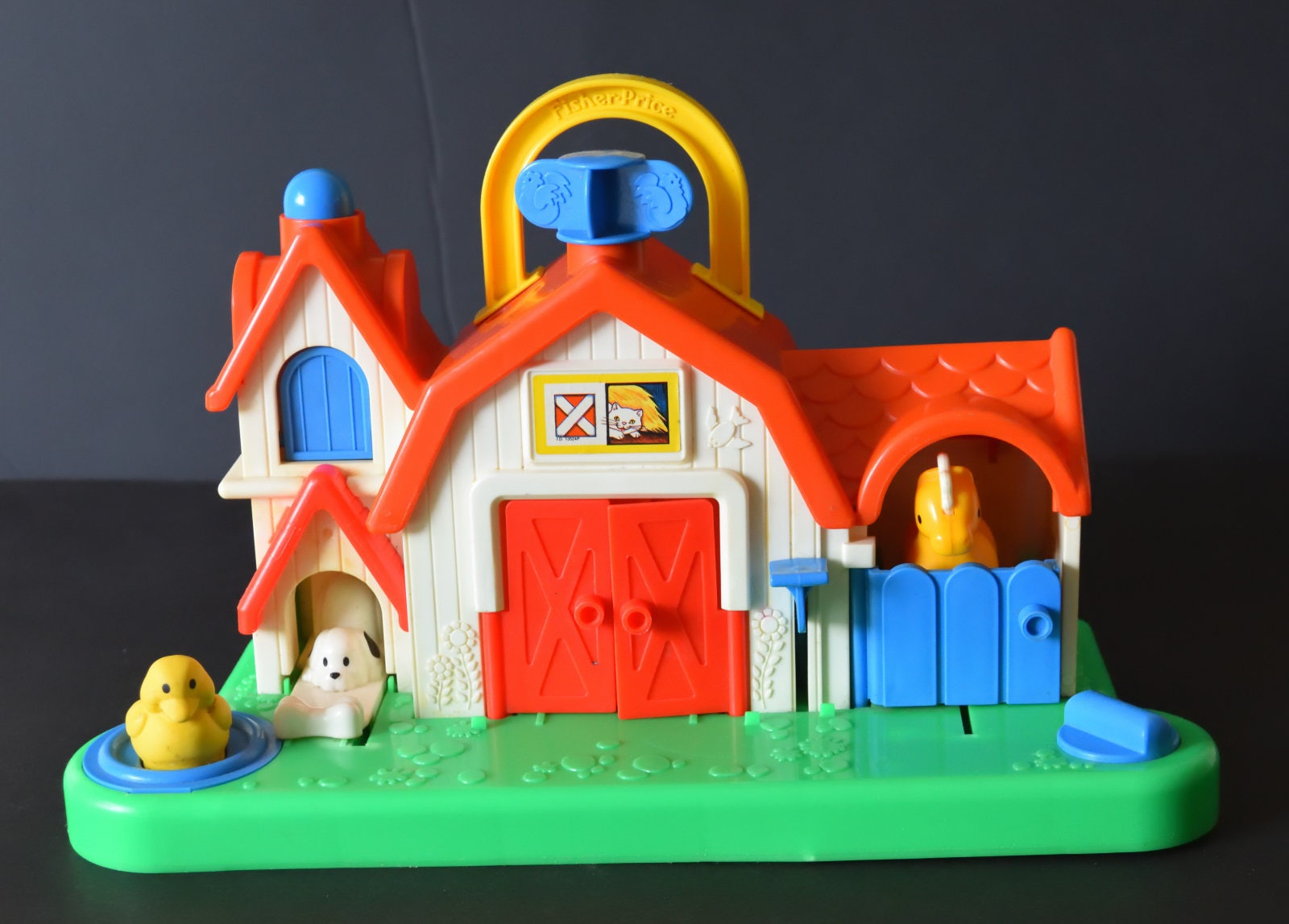 Vintage Fisher Price Farm Barn Animal Sound Activity Centre Toy c1987