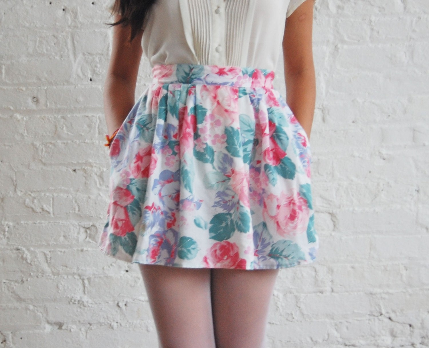 S A L E ... cabbage rose skirt (s/m)