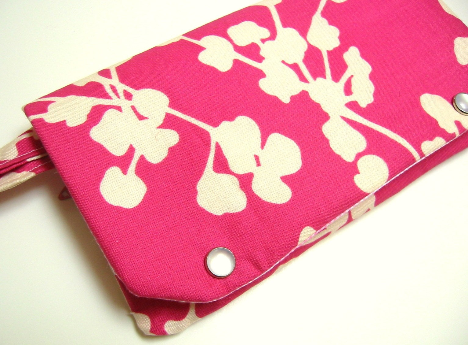 Ivory coriander on fuchsia wristlet wallet : Asian iCandy Store, Unique Asian Arts and Gifts From Independent Artists