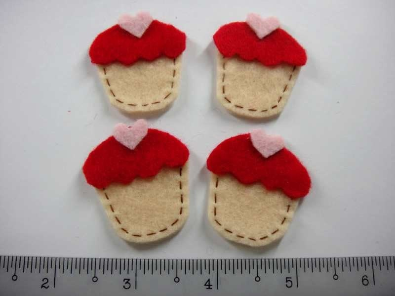Felt Applique - CUPCAKE red - 4 PCS - Handmade
