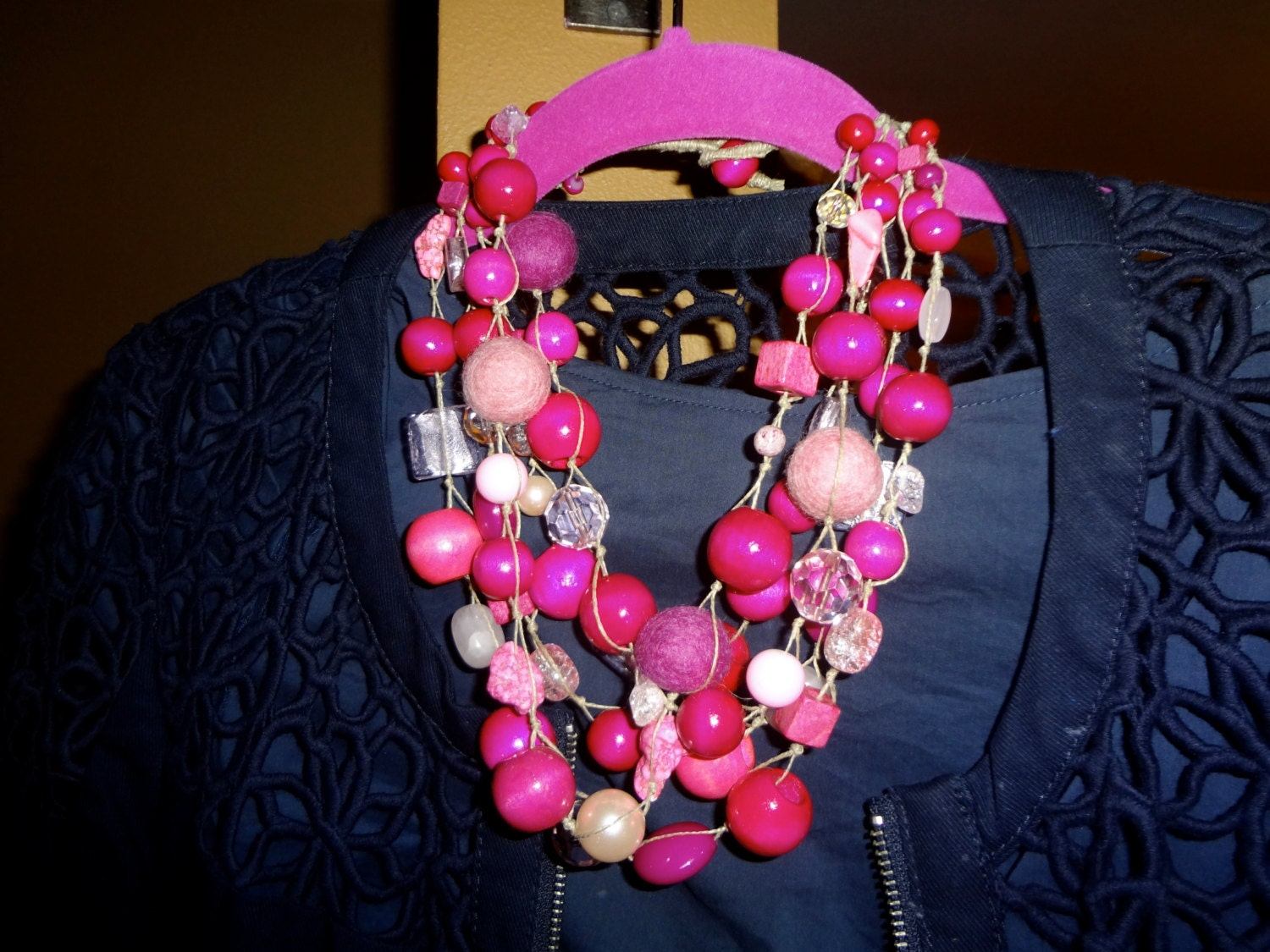 "Handmade Pink Bead statement necklace "" Pink Bubble Gum "" - creativedesignsstore"
