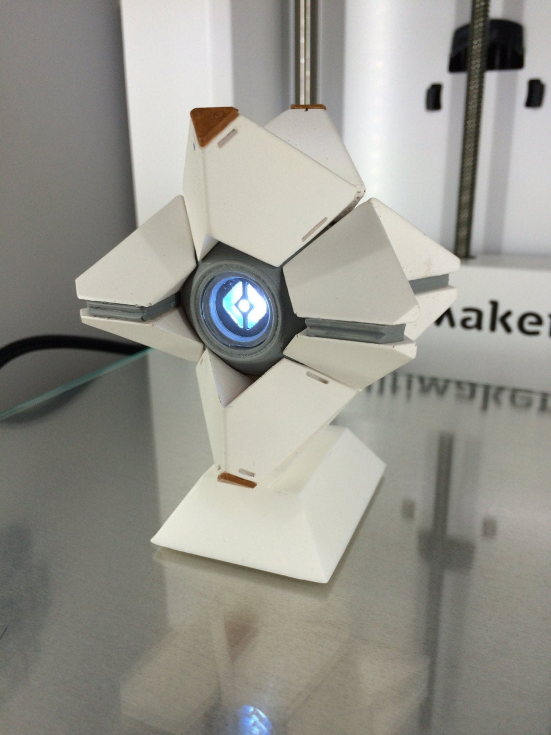Destiny ghost generalist shell. Small Modular toy and led eye.