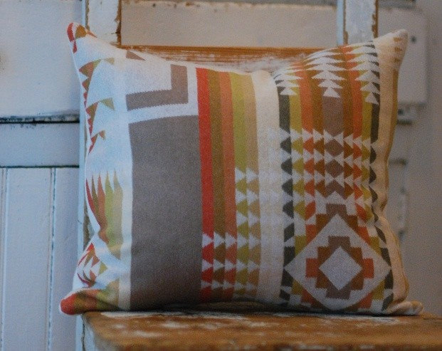 Cabin Chic Pillow Cover made with Oregons' Pendleton Wool16x16