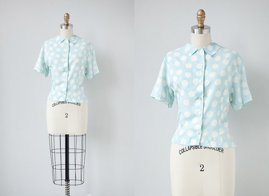 vintage blouse / vintage 1950s blouse / vintage 50s top / polka dot blue blouse