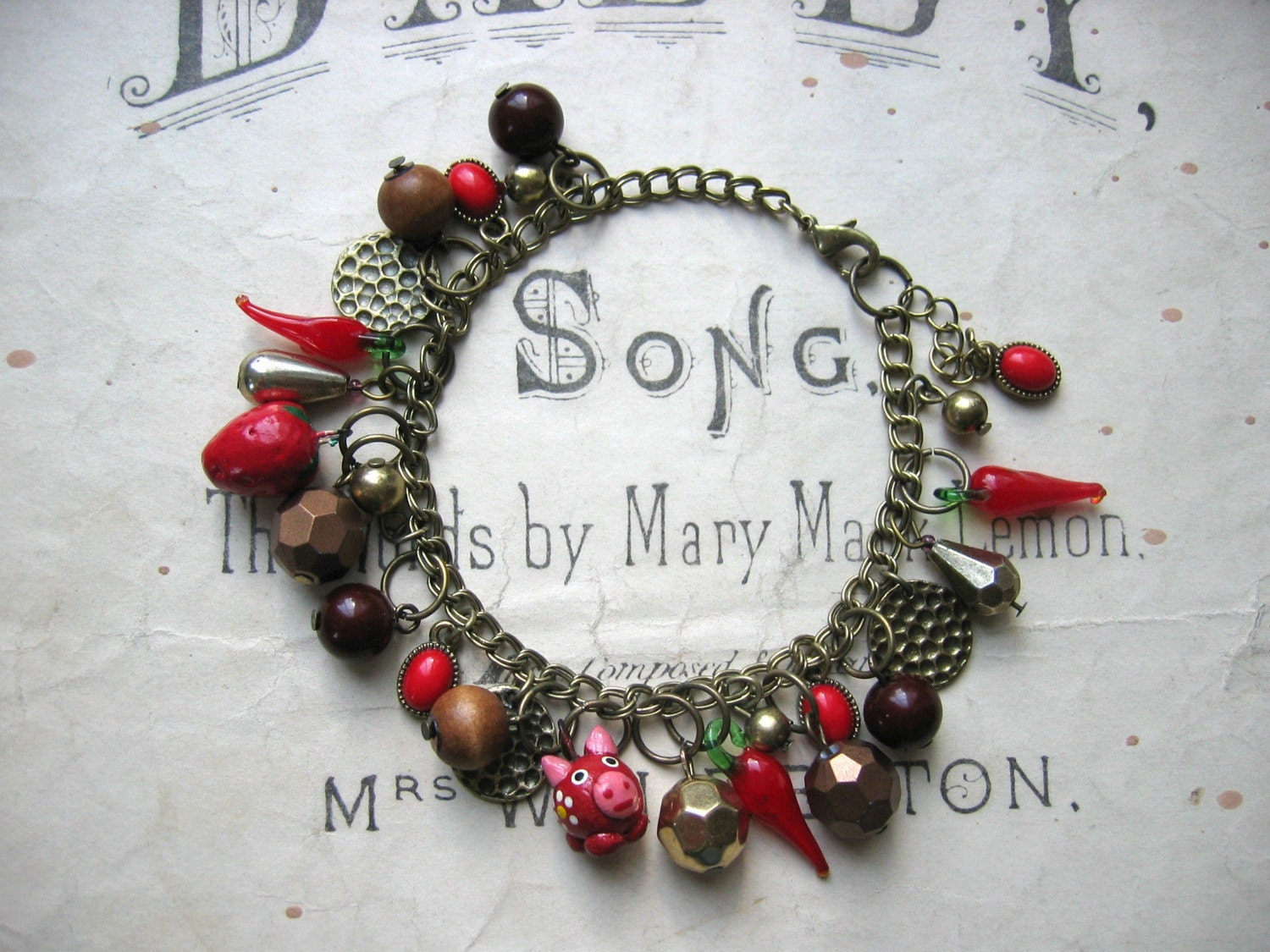 Hot and Spicy - charm bracelet