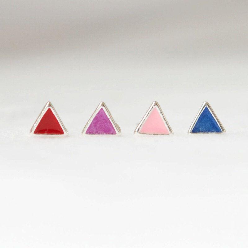 Tiny arrows stud earrings-version 2 / choose your color / Red,Purple,Pink and Blue 4 colors - laonato