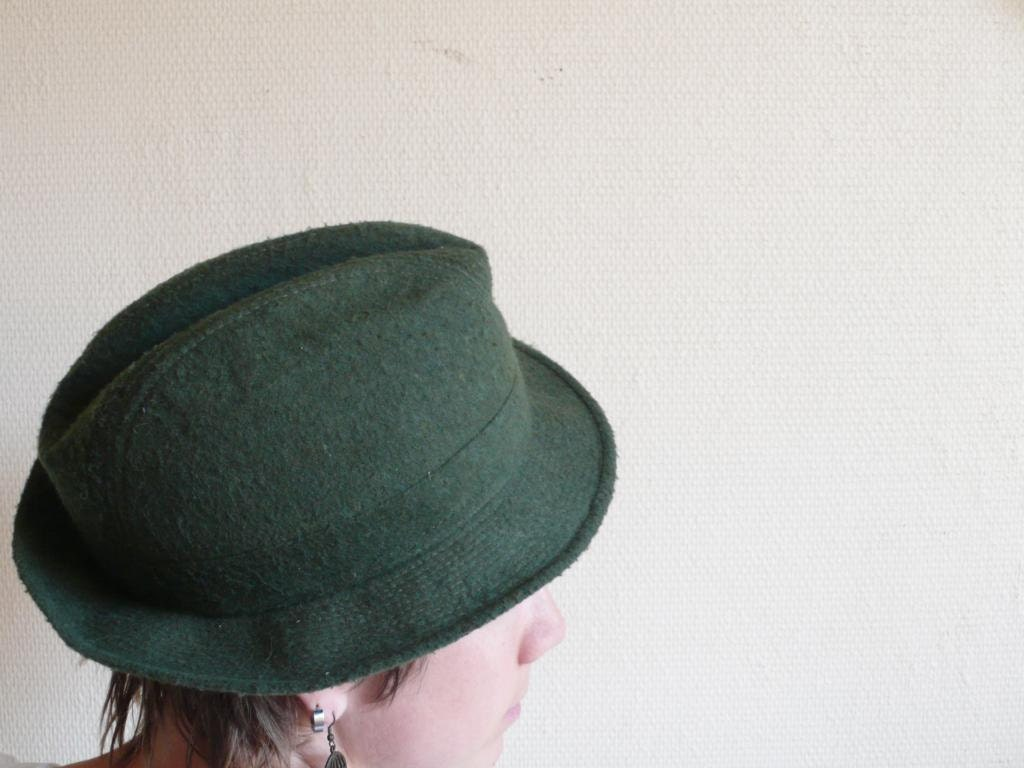 Vintage hat, trilby , Fedora, green, hat band, forest, france,autumn,  french cascette, french vintage accessories by ancienesthetique - ancienesthetique