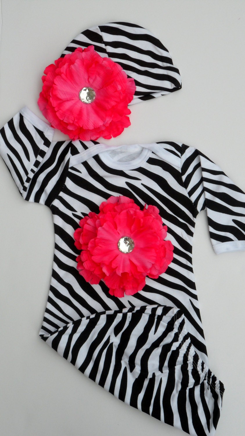 This is for 1 Baby Shower Mom To be Zebra It's a Girl Sash. I have a lot more Bottle Designs and Party supplies such as Pacifiers necklaces, cupcake rings, shower center pieces, shower banners, 48 pie.