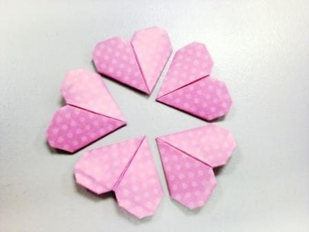 I Heart to U - 12pcs Poka-dot Pink origami Hearts to express your true love (Choose your own colour)