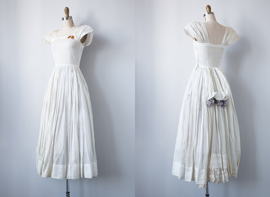 vintage 1940s wedding dress / vintage wedding dress / 1940s bustle wedding gown