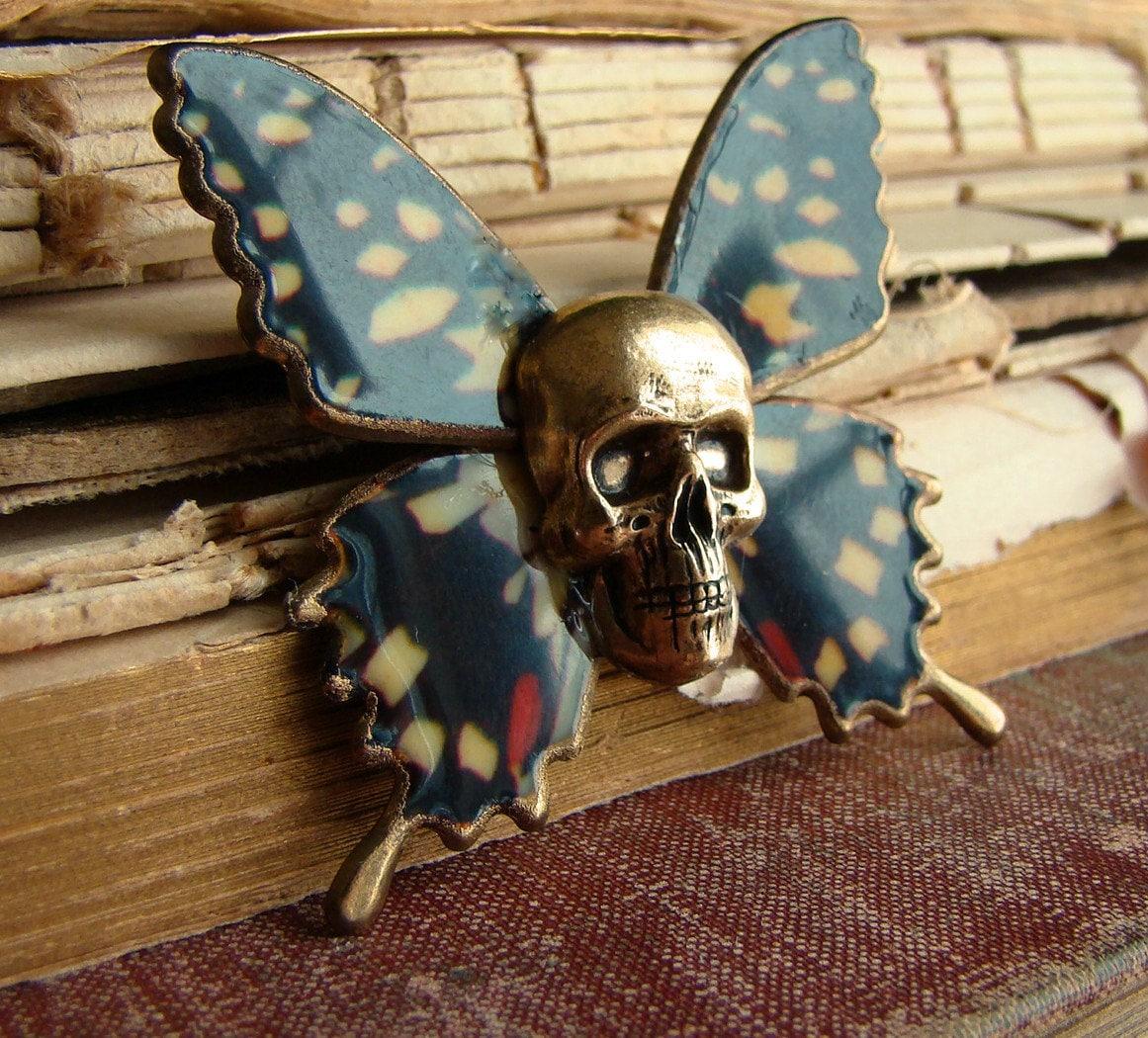 Henry - The deadhead Moth Brooch