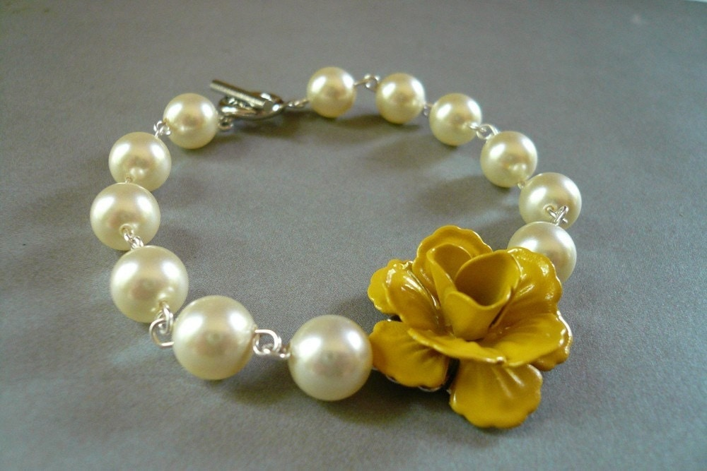 Yellow Rose and Swarovski Crystal Pearl Bracelet
