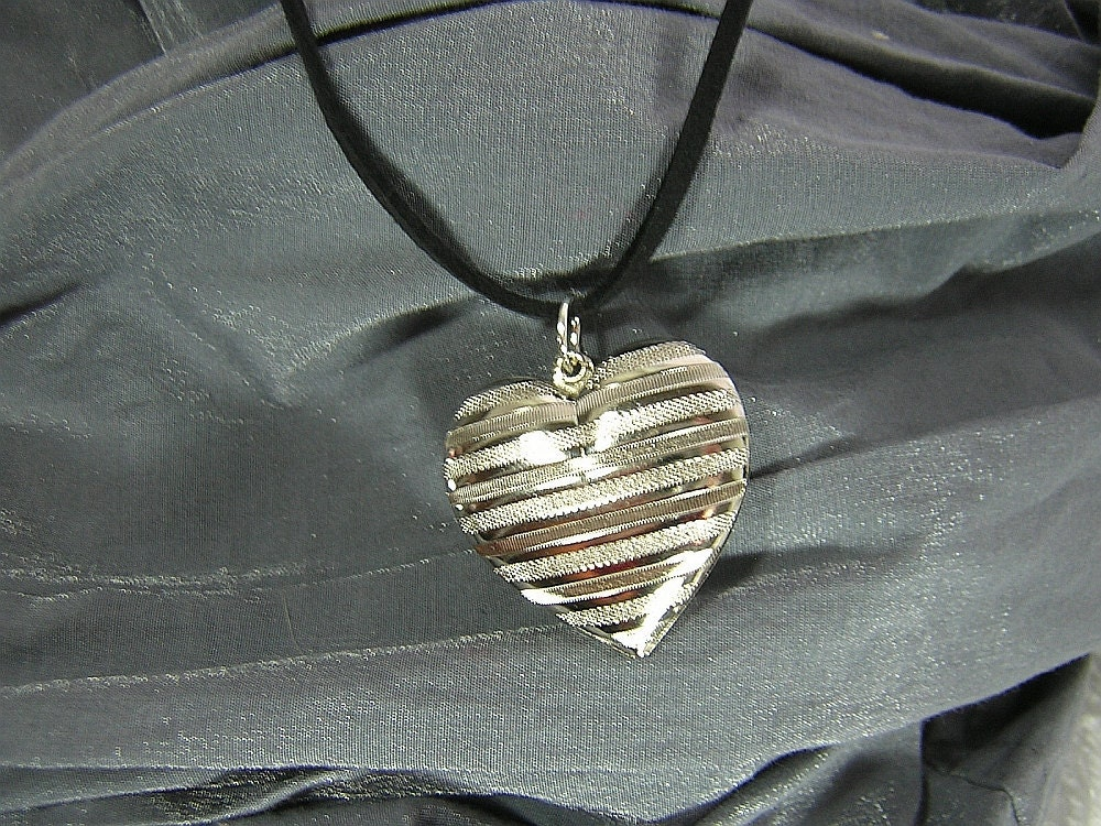 Large Puffy Striped Silver Heart Simple Charm Necklace - Handmade by Rewondered D225N-00328 - $7.95