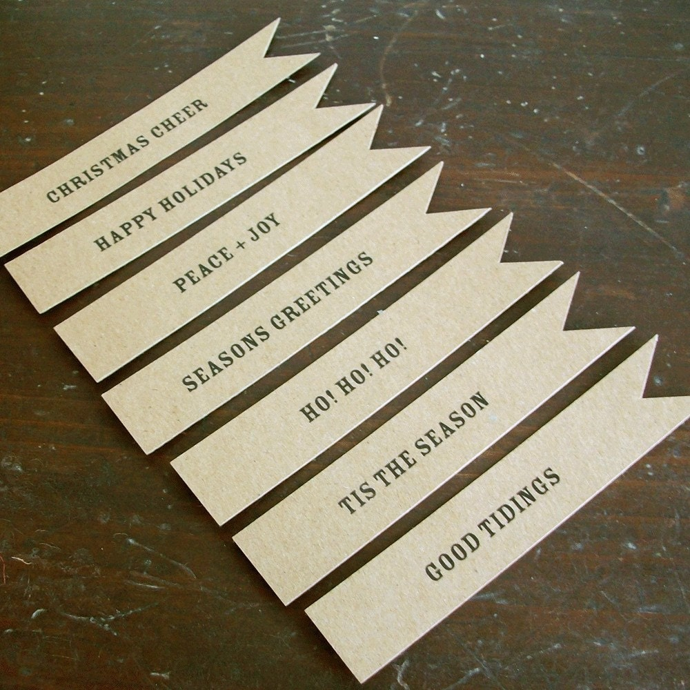 Kraft Pennant Flag Tags Holiday Edition - Set of 14