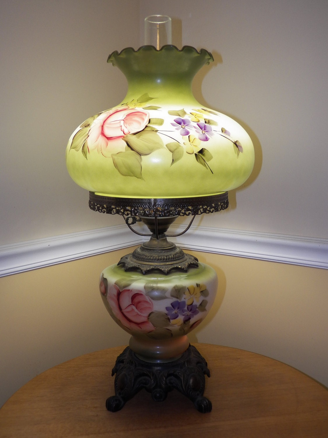 Glass hand painted table lamp floral flower design green with brass