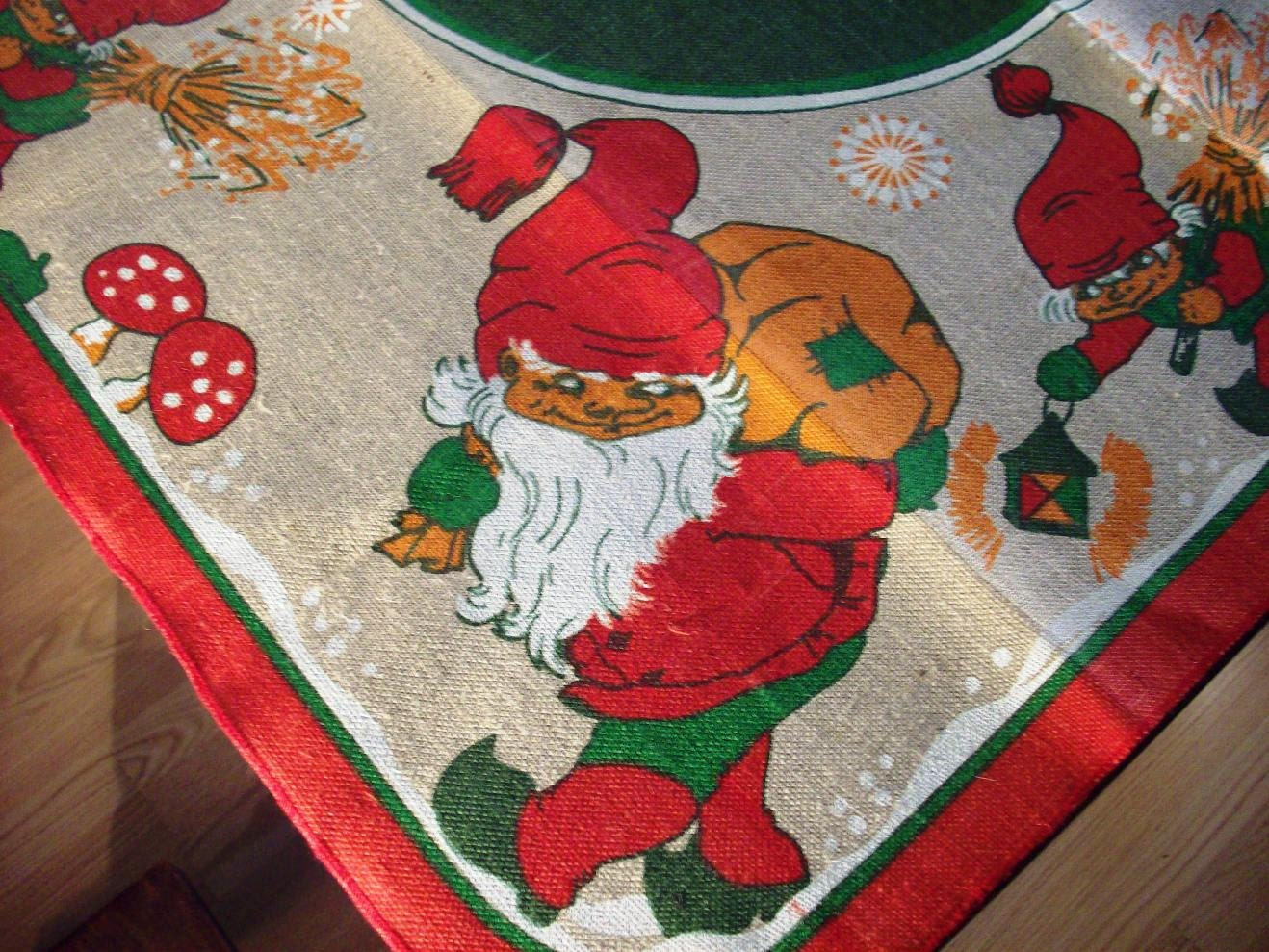 Items Similar To Vintage Christmas Luncheon Table Cloth