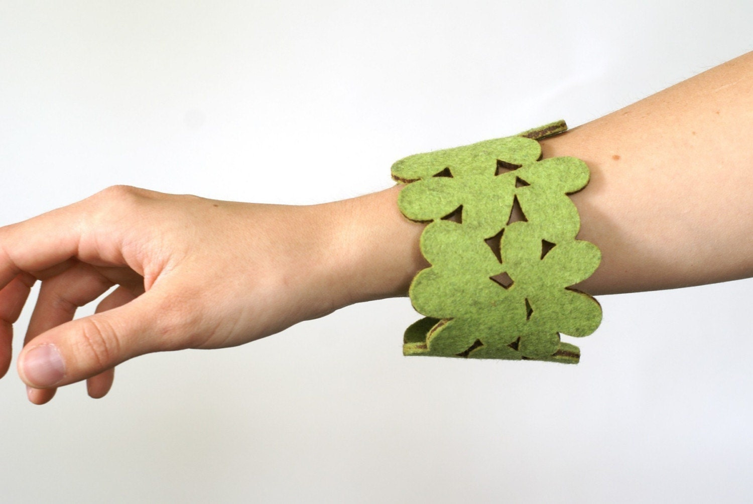 cozy/cuff - reusable cup sleeve and bracelet in light green wool felt - FREE SHIPPING