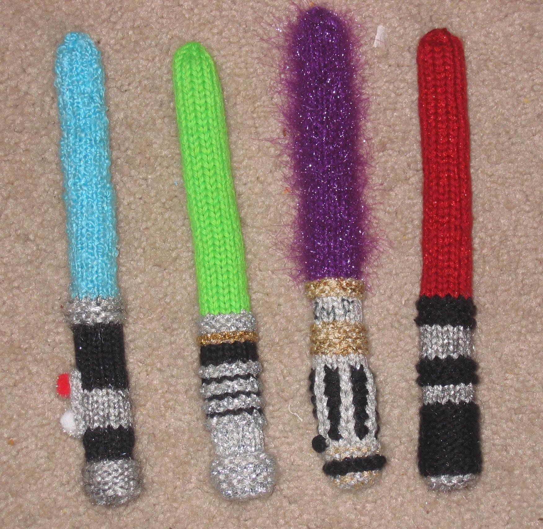 Star Wars 8 inch Knitsabers Pattern PDF