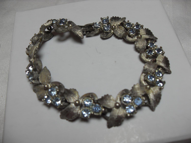 Jewelry Design rewrite essays