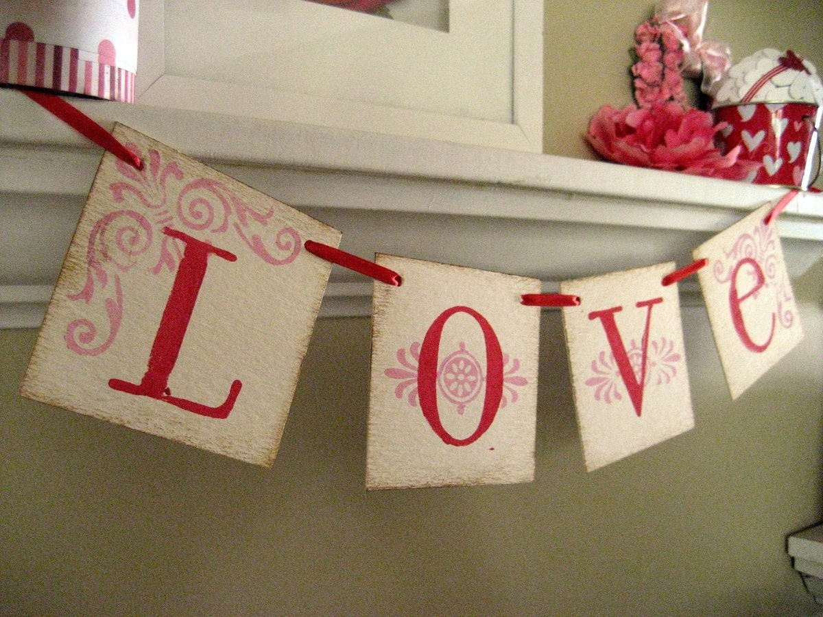 LOVE Red and Pink Valentine Banner Garland Sign