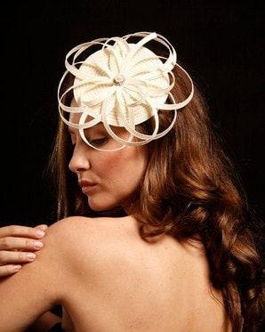 Geometric bridal fascinator completely hand made from ivory  straw with beatiful rhinestone center, wedding headpiece, Ivory fascinator - catalinaraceu