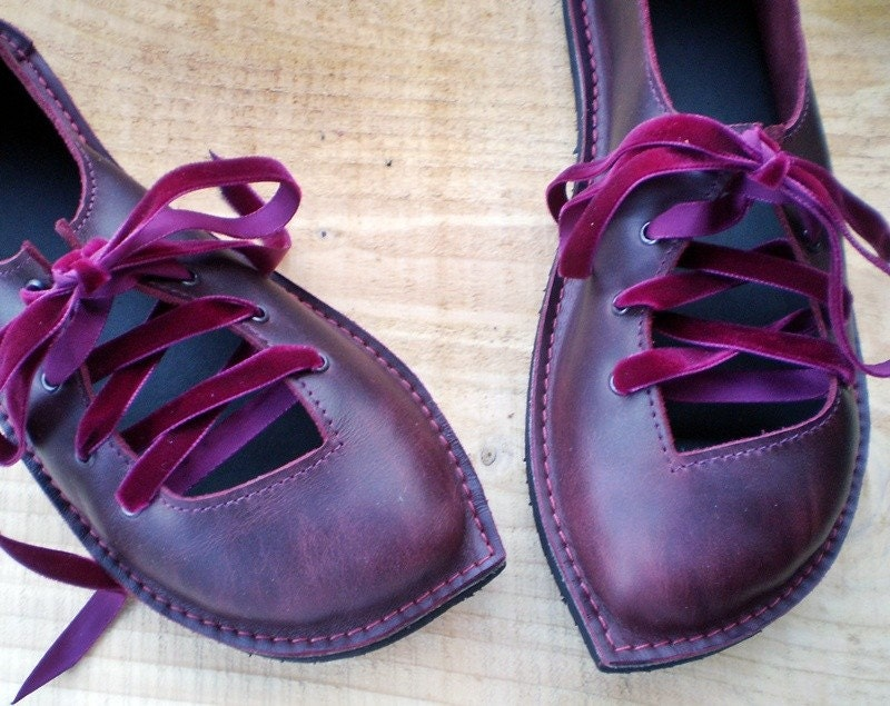 PUCK, UK 6, Bohemian Fairy, handmade shoes, D fitting, Plum leather 1592