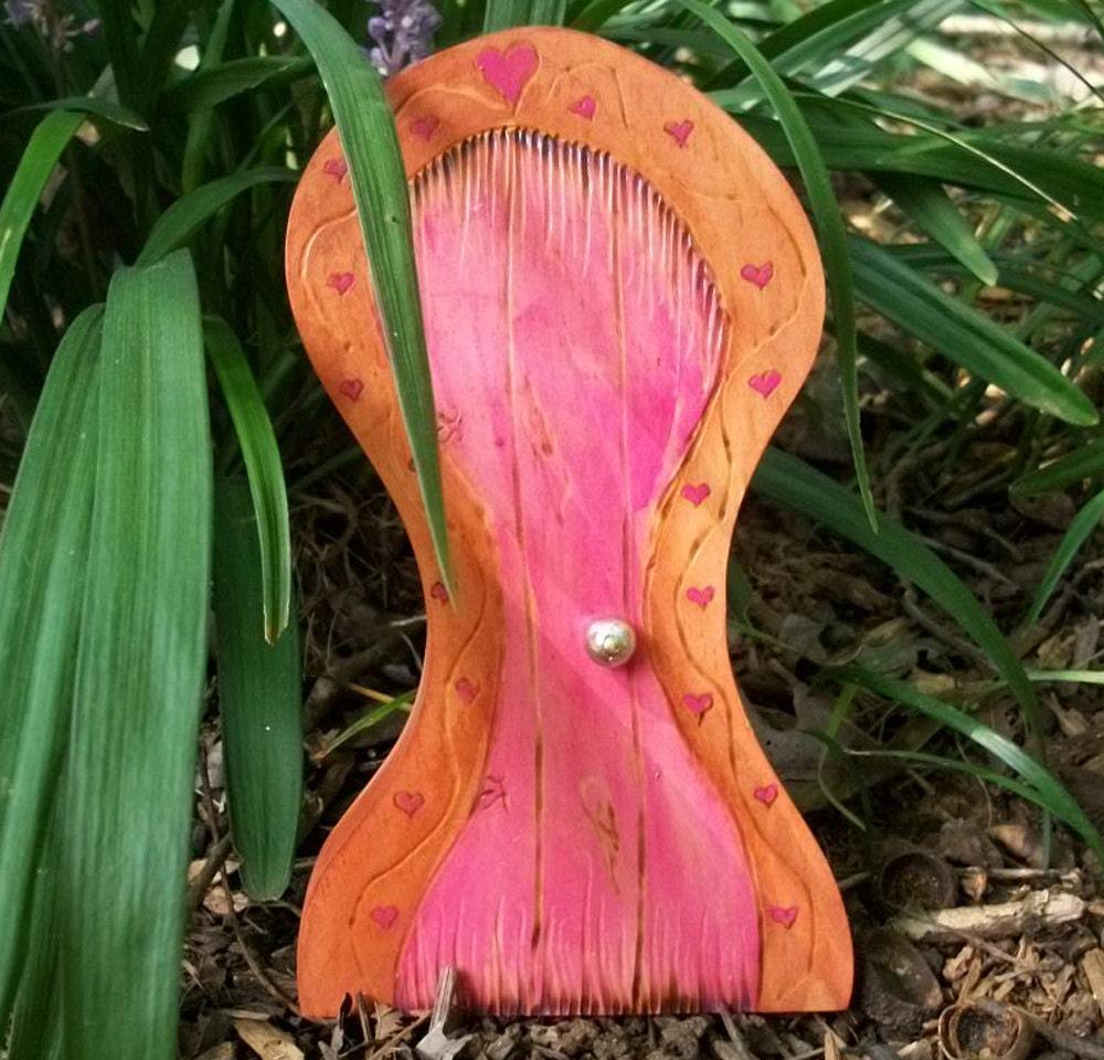 Фея двери магический портал в стиле Дали, Pink Frame Сердце 5 3 / 4 дюйма