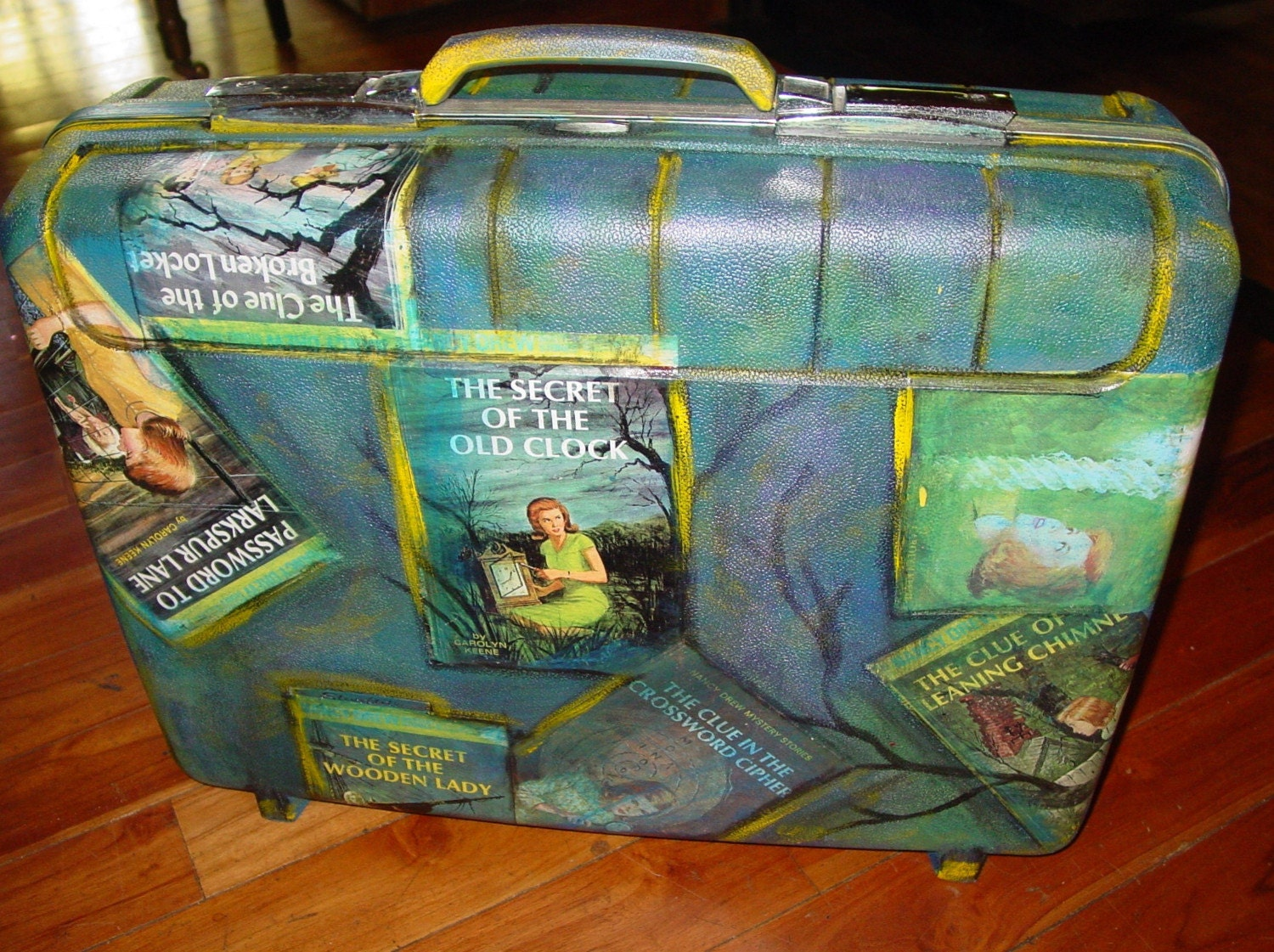 recycled NANCY DREW suitcase by C. Reinke The secret in the clock