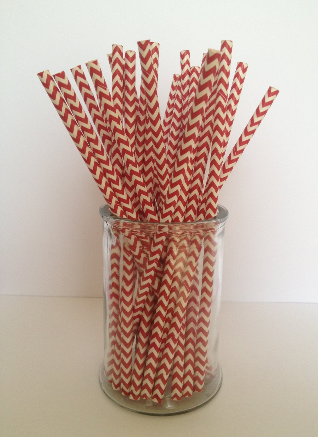 "25 Red and White Chevron Pattern Paper Straws - Standard 7.75"" or 19.68cm - CraftyCreations2012"